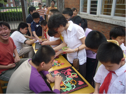 Students sell handicrafts